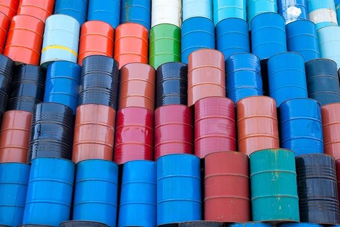 Wibest – Crude oil: Oil barrels stocked together.