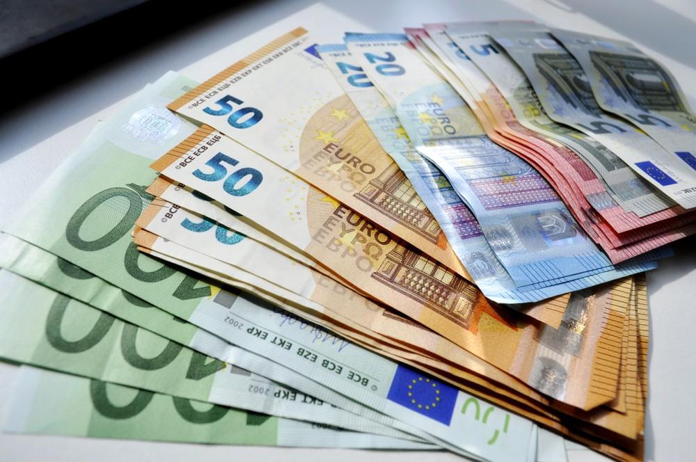 Wibest – ECB: Euro bills.