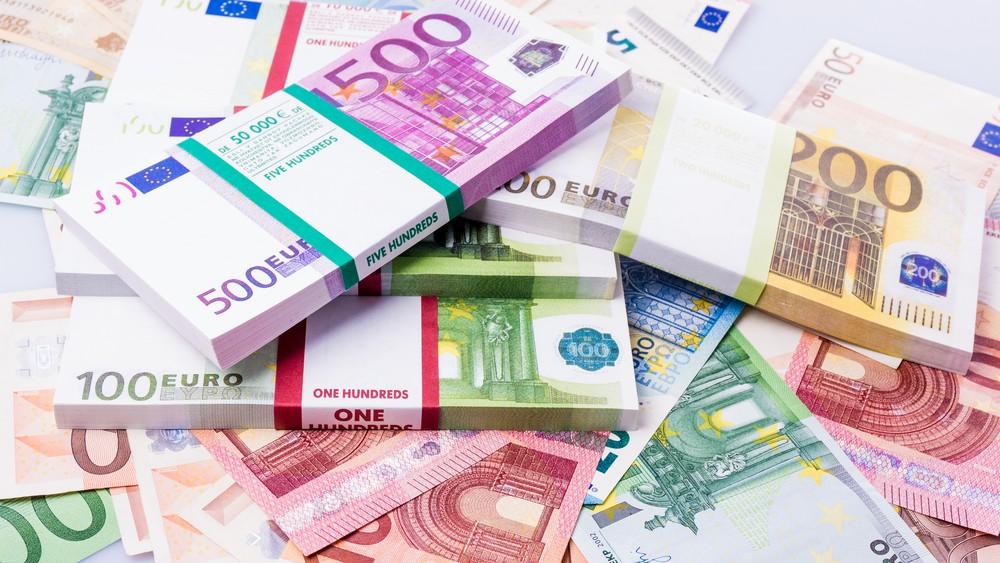 Wibest – EURGBP: Euro bills.