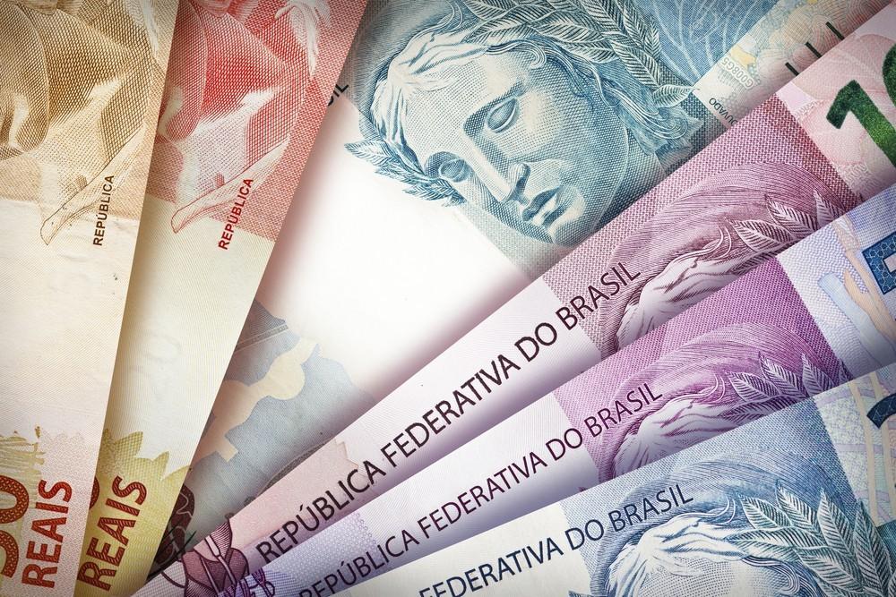 Wibest – Different Brazilian real bills.