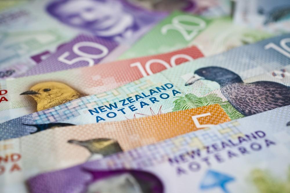 ibest – NZD USD: New Zealand dollar bills.