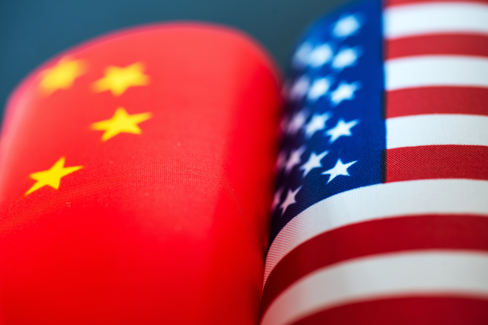 Wibest – USA Jobs: The American and Chinese flags.