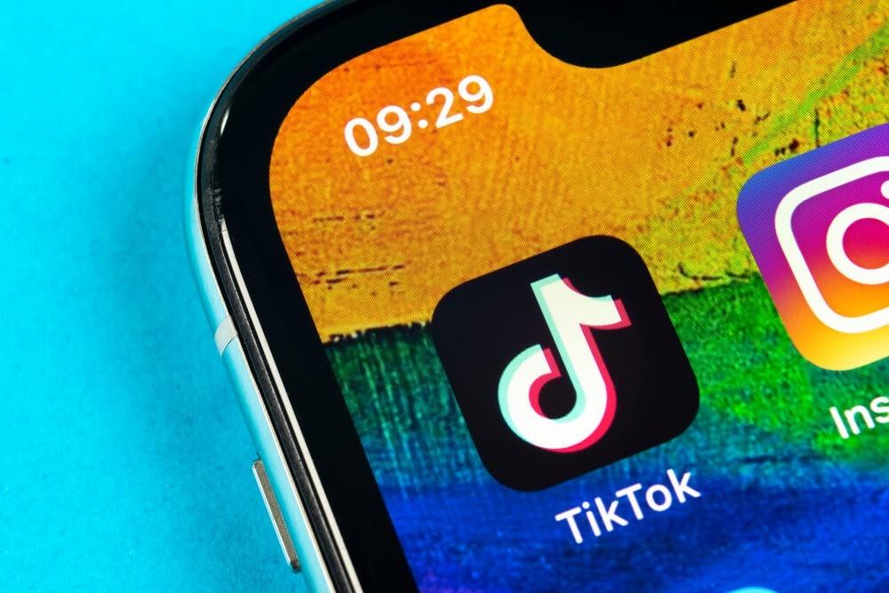 Chinese: Tik Tok application icon.