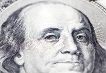 Wibest – Dollar: A close up of a US dollar bill.
