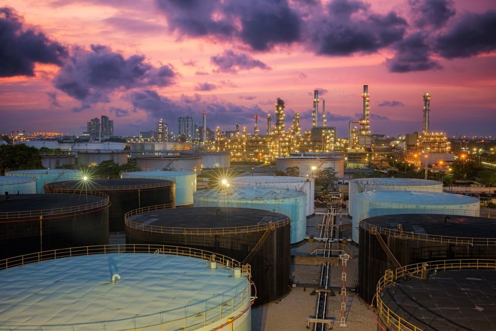 Wibest – Iran: An oil refinery.