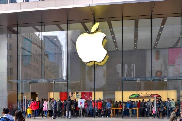 Apple reveals bigger batteries in new model