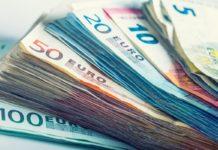 U.S. dollar's biggest monthly drop