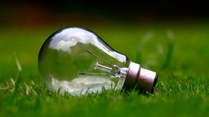 Italy`s Eni to divest retail-renewable energy stake