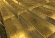 Gold rises but coronavirus peril lingers