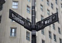 U.S. stock futures are up ahead of earnings season